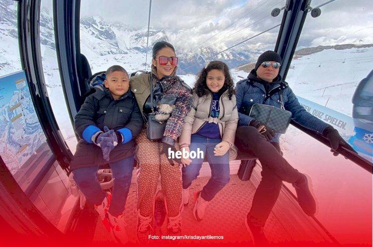 Kontroversi Perjalanan Krisdayanti dan Keluarga ke Swiss