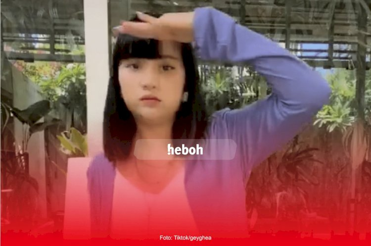 Aksi Ghea Indrawari Goyang Kopi Dangdut ala Robot