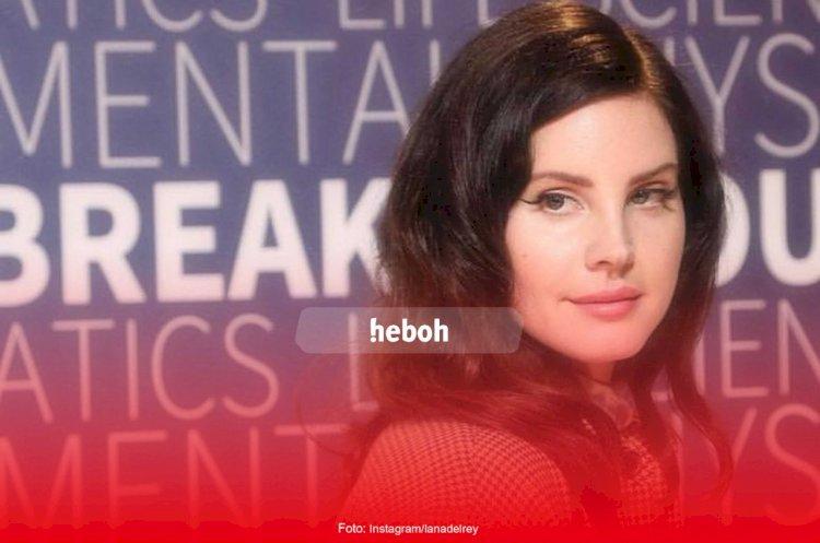 Lana Del Rey Murka Dituduh Pilih Trump