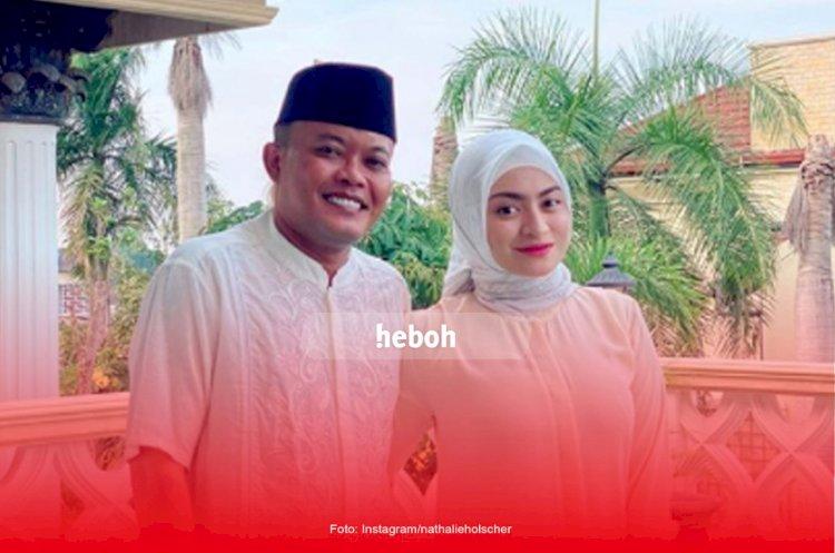 Benar-Benar Sultan, Raffi Ahmad Kado Tiket Pesawat untuk Keluarga Besar Sule dan Nathalie