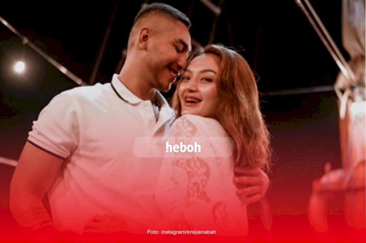 Siti Badriah dan Suami Bulan Madu ke Labuan Bajo
