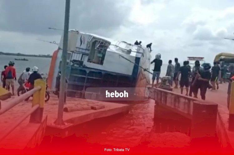 Kronologi Kapal Feri KMP Bili Terbalik Di Sambas
