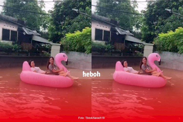 Viral! Kejadian Lucu dan Mengerikan Saat Bencana Banjir di Kota Jakarta
