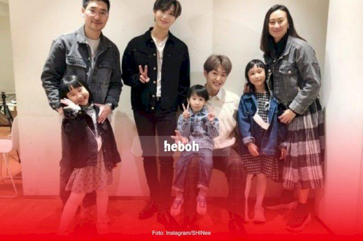 Bertemu Kimbab Family, Taemin dan Onew SHINee Cicip Jajanan Khas Sunda